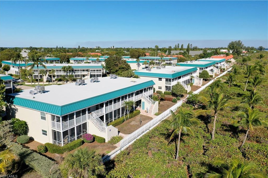 Condo for sale in Sanibel Arms West